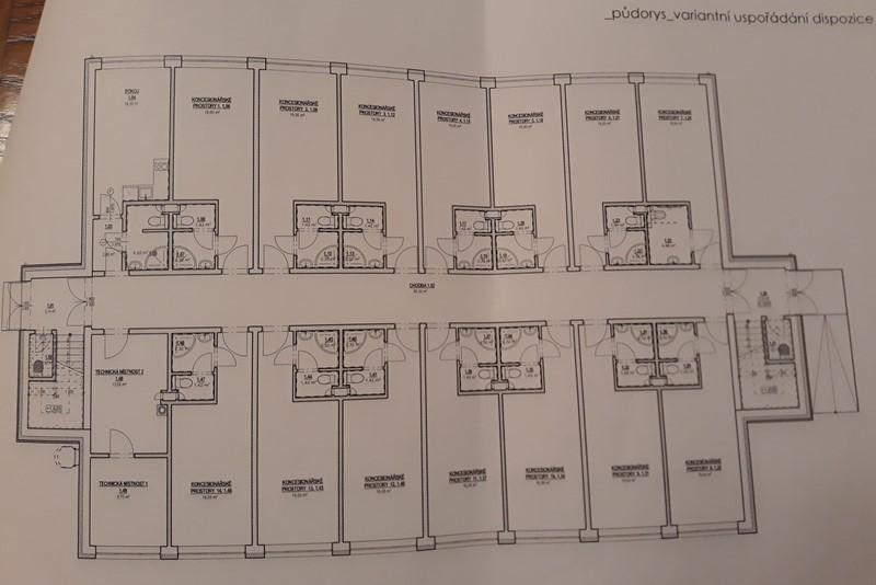 Ubytovny pro 2 tisíce pracovníků, nebo výrobní haly?