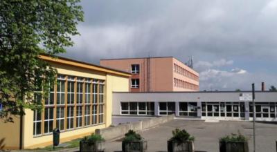 """Rekonstrukce pavilonu E v ZŠ JAK aneb seriál na pokračování """"bazén podruhé"""""""